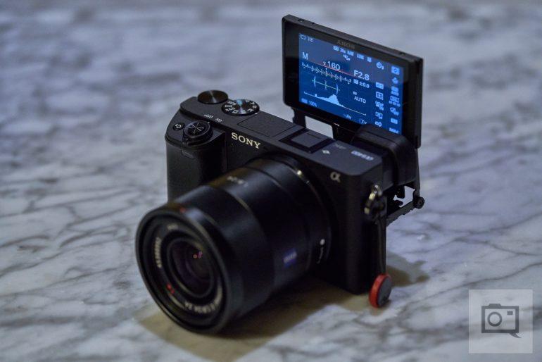 Full Frame Mirrorless Nikon de 1000 dolari