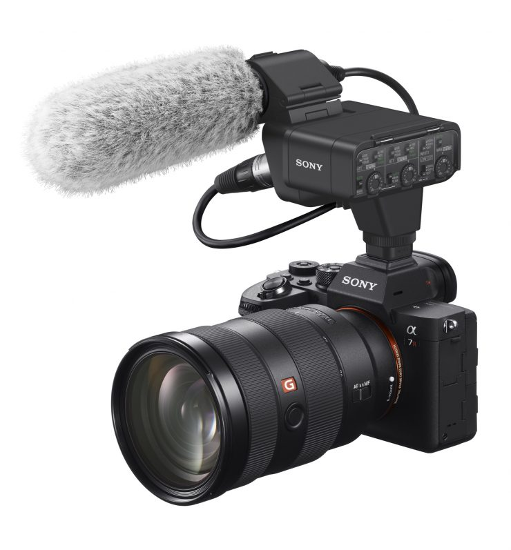 SONY A7R IV cu Microfon Shotgun ECM-B1M