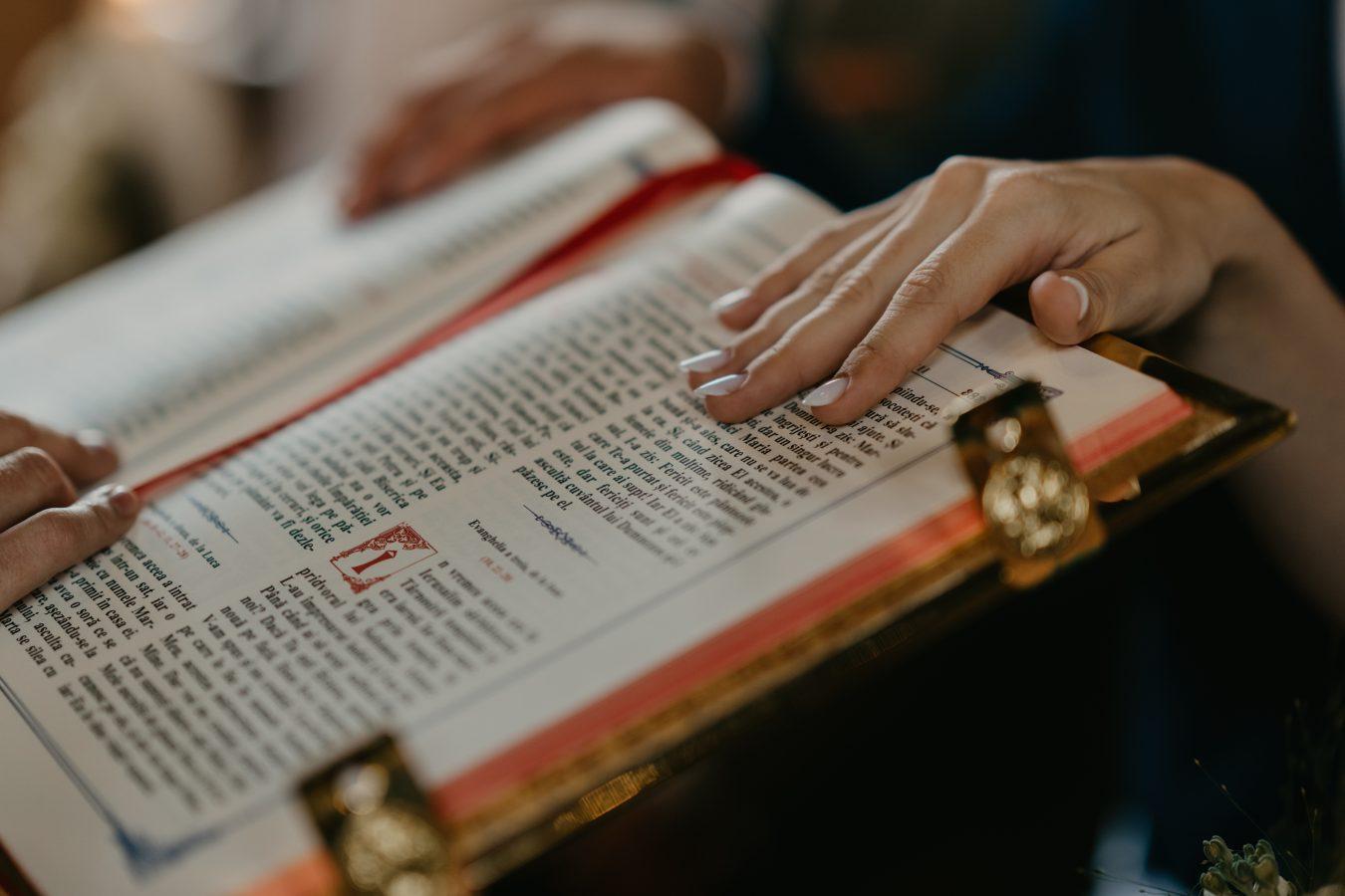 slujba biserica